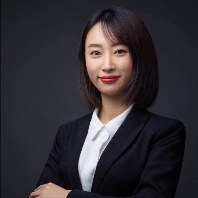 Crystal Hou